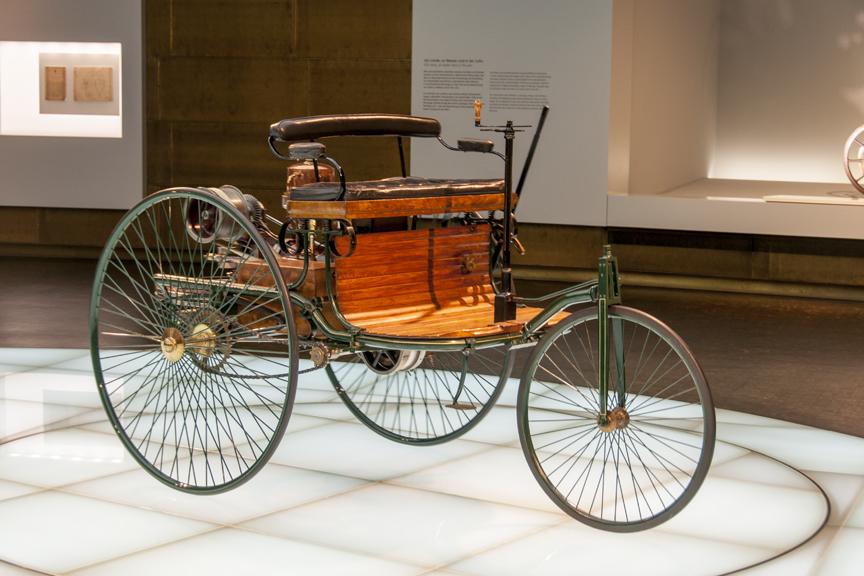 Mercedes-Museum-2012-10-Apr-006-864x576