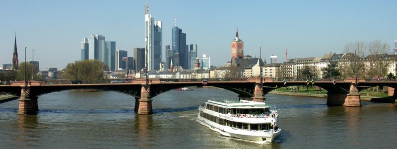 Blick auf die Obermainbrücke