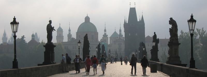 Prague-Karlovy_most-mist2